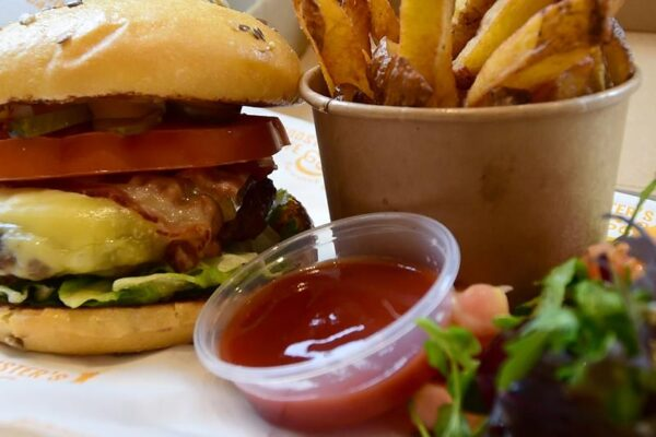 Beef Burger & Home Made Chips